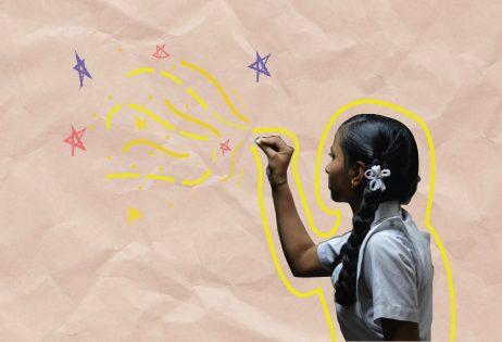Em colagem, é possível ver menina com um giz na mão desenhando estrelas