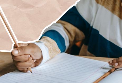 Em colagem, é possível ver punho de criança escrevendo em caderno.