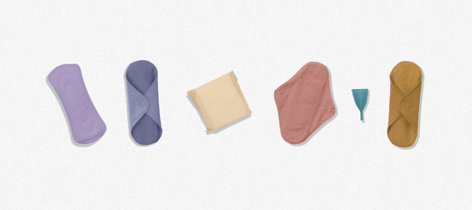 Imagem de absorventes e coletores para a matéria Falta de recursos para higienização menstrual nas escolas afeta 4 milhões de estudantes no Brasil